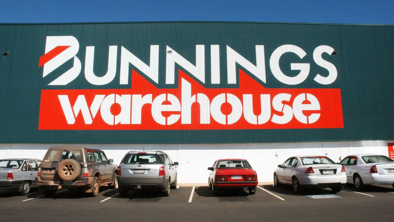 Bunnings Warehouse (6 Stores) - Hutchinson Builders